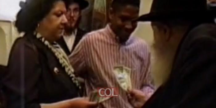 צפו: מדוע העניק הרבי עוד דולר להורי מנהיגה אפרו אמריקנית