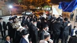 הקפות שניות בחזית בית הכנסת חב