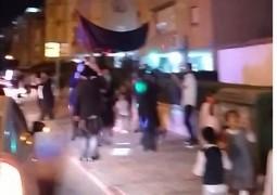 הקפות שניות ברחובות צפון נתניה: השליח הרב נחום גולדשמיד הביא את השמחה אל פתחי הבניינים. צפו