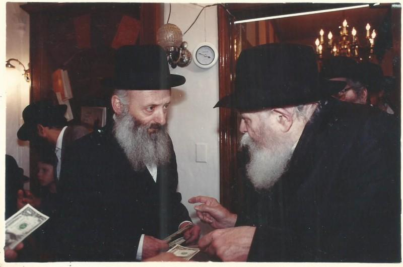 כשהרבי החזיר ספר, צירף אליו 'לוח ארץ ישראל' וכתב: