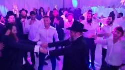שלוחים, רבנים ואישי ציבור בחתונת השליח לפורט לודרדייל הרב משה מאיר ליפשיץ. צפו בריקוד סוער מהחתונה