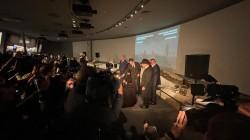 רבה של רוסיה השליח הרב בערל לאזאר בתפילת 'קל מלא רחמים', בטקס הנערך במוזיאון היהודי הגדול, לרגל יום הזיכרון הבינלאומי לשואה, יום בו שוחרר ב-1945 מחנה ההשמדה אושוויץ מידי הנאצים
