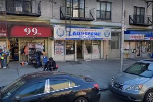 בחור ב'קבוצה' הותקף; בעל החנות היהודי מסרב לחשוף הצילומים