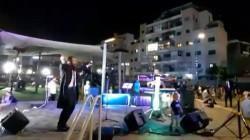 שעות בודדות לאחר שהתחשמל - הזמר חיים נחמן שר ומקפיץ את הקהל החב